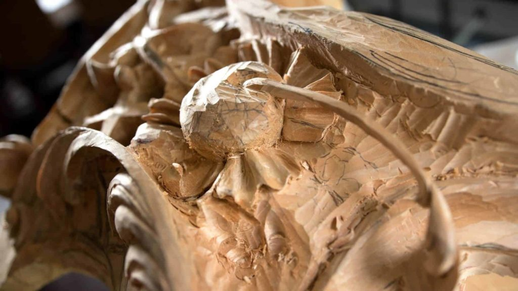 Learn to Carve in Style of Famous Woodcarver Grinling Gibbons at School of Woodcarving Online with Woodcarver Alexander Grabovetskiy https://schoolofwoodcarving.com/ #woodcarving #woodcarvingschool #woodworking @grabovetskiy