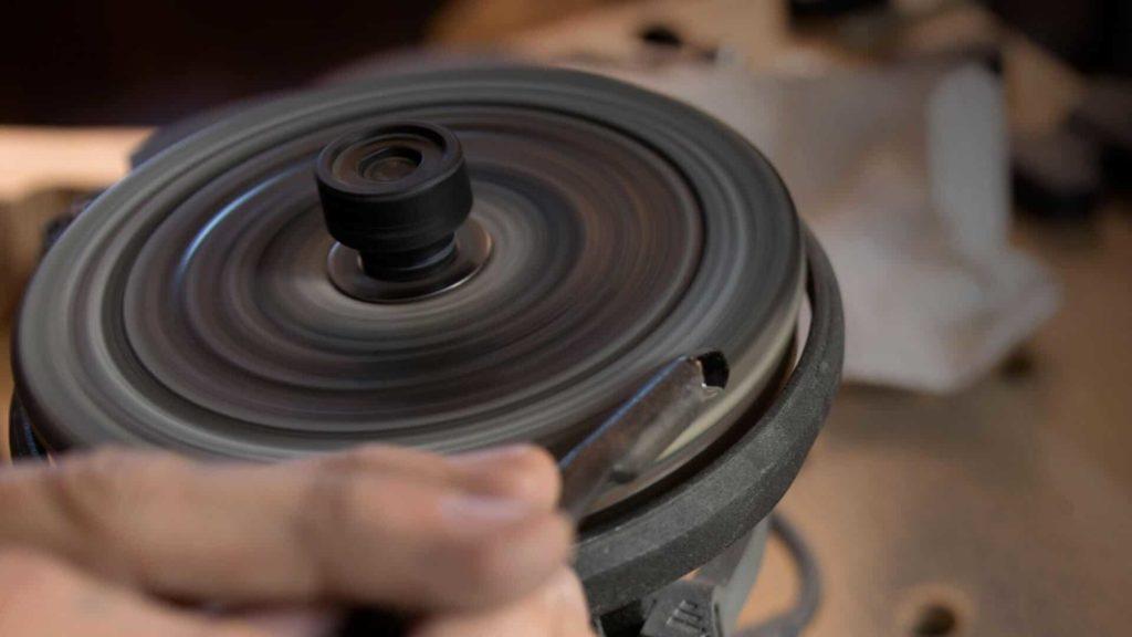 Learn to Sharpen Fingernail Woodcarving Gouge - Power Sharpening- WorkSharp 3000 https://schoolofwoodcarving.com/ #sharpeningtools #woodcarving #woodworking @grabovetskiy