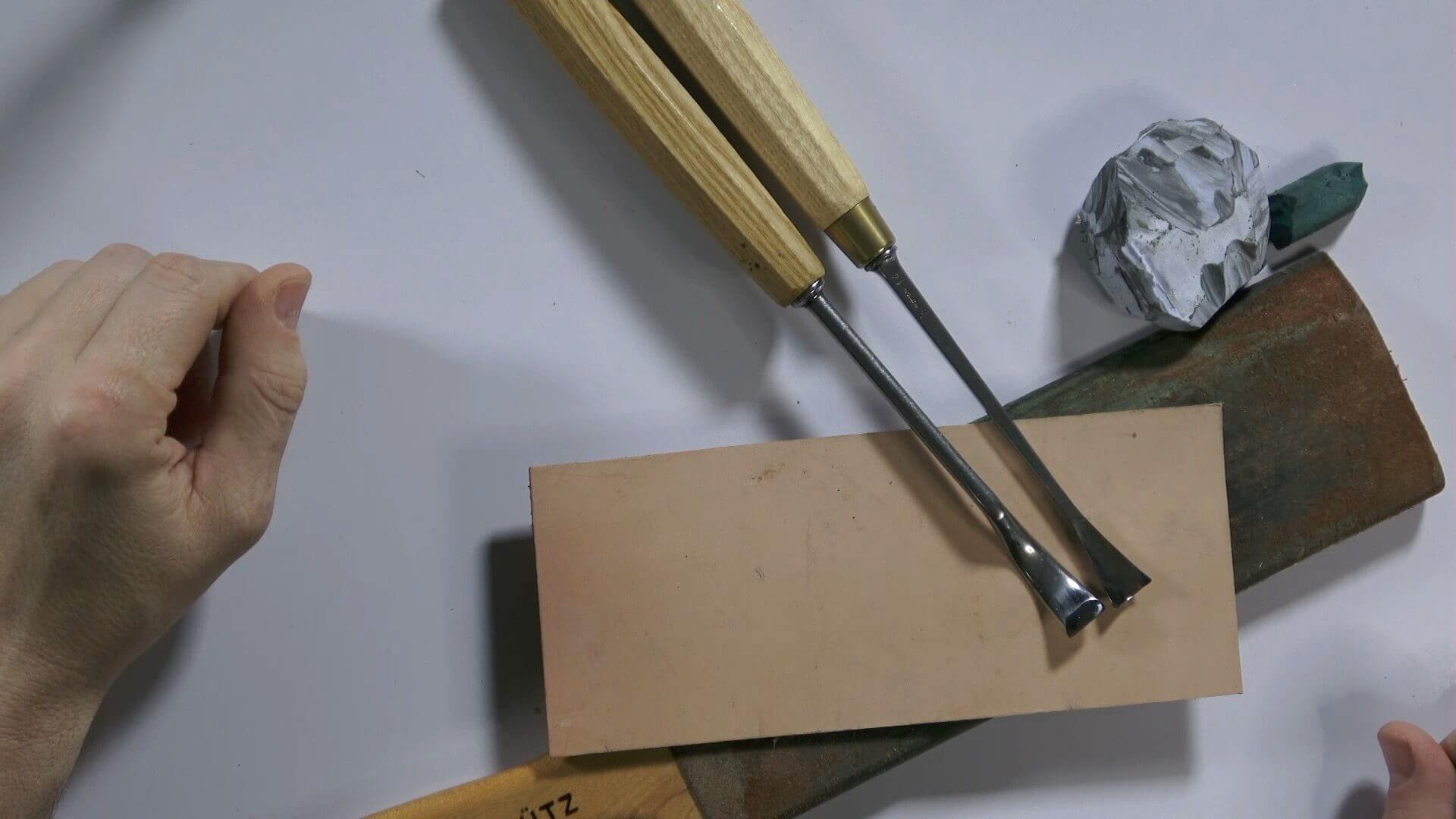 Best Strop & Compound For A Mirror Polish Edge?,strop,leather strop,stropping,how to make a strop,knife strop,how to make a stropping block,how to strop a knife,diy strop,make a leather strop,strop compound,how to make a leather strop,diy leather strop,sharpening,carving tools,stropping a knife,knife sharpening,sharpening wood carving tools,stropping wood carving tools,Best Strop and Compound,BEST STROP AND COMPOUND,Stropping carving tools,honing a knife
